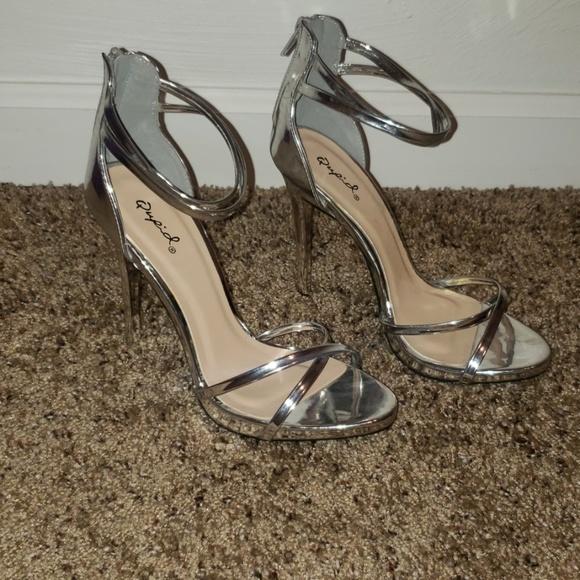 Qupid Shoes - Qupid Heels SZ 8.5 LEFT